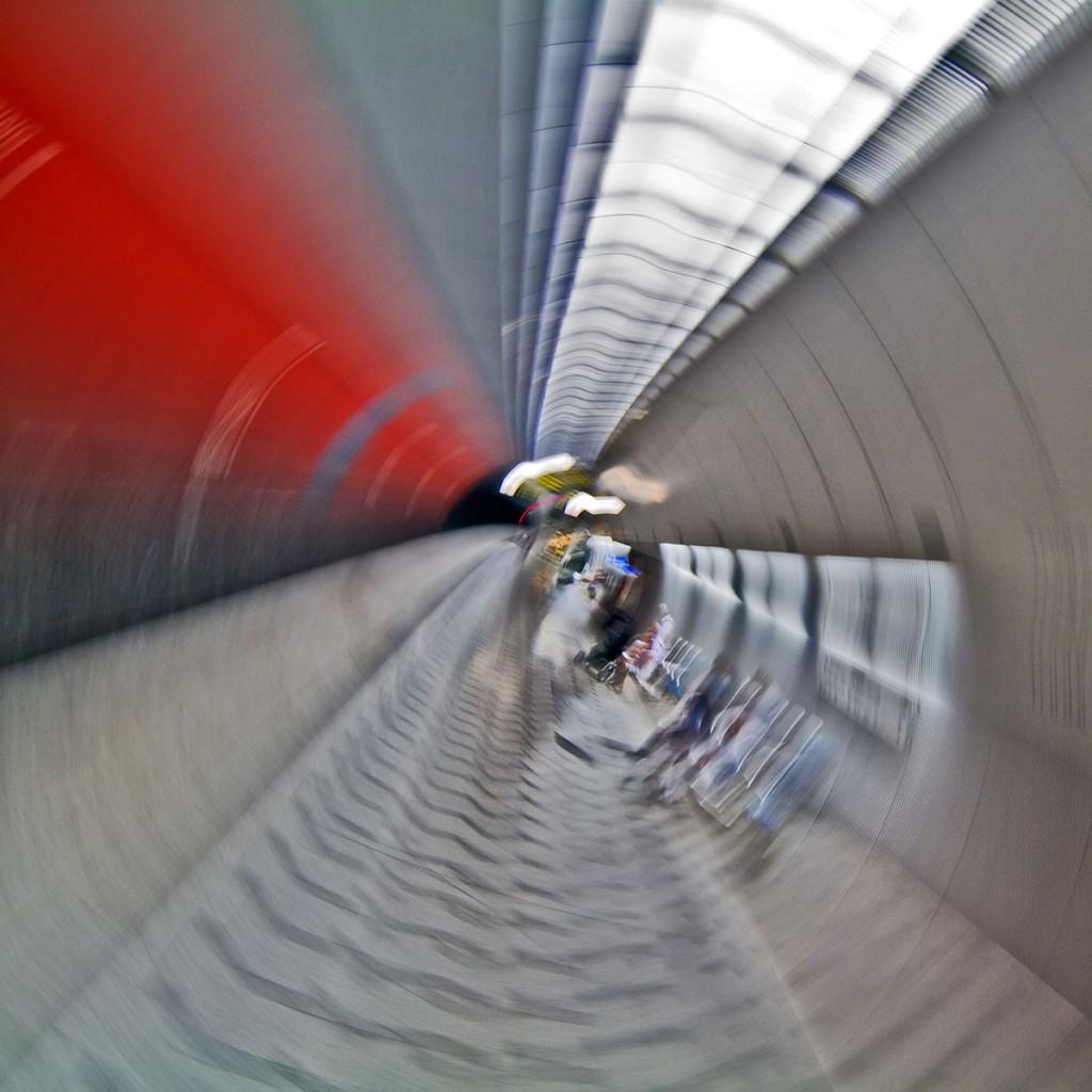 Ubahnstation - Kamera während der Belichtung gedreht